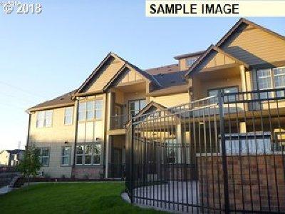 Sherwood, King City Condo/Townhouse Pending: 17137 SW Appledale Rd #E306
