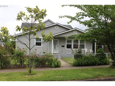 Clackamas County, Multnomah County, Washington County Single Family Home For Sale: 7536 N Chatham Ave