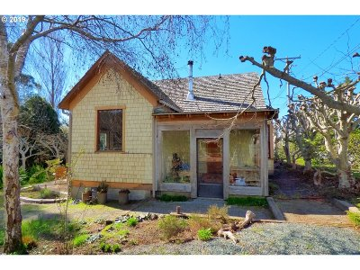 Langlois Single Family Home For Sale: 94258 First St