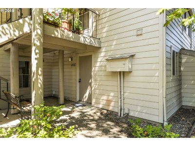 Beaverton, Aloha Condo/Townhouse For Sale: 10052 SW Trapper Ter