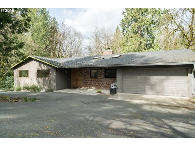 Lake Oswego Single Family Home For Sale: 909 Cumberland Pl