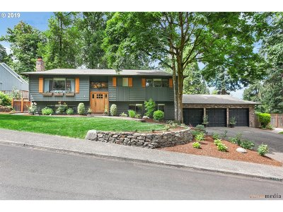 West Linn Single Family Home For Sale: 3269 Forest Ct