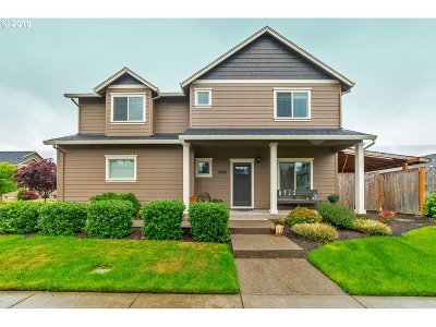 Newberg Single Family Home For Sale: 2042 Kennedy Dr