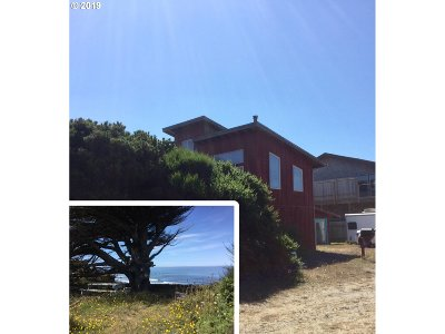 Gold Beach Single Family Home For Sale: 32901 Surfside Dr