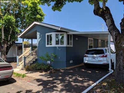 Multnomah County, Clackamas County, Washington County, Yamhill County, Marion County Single Family Home For Sale: 21100 NE Sandy Blvd #29