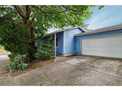 Portland Single Family Home For Sale: 2417 NE Dekum St