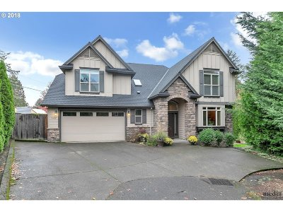 Milwaukie Single Family Home For Sale: 15432 SE Wills Way