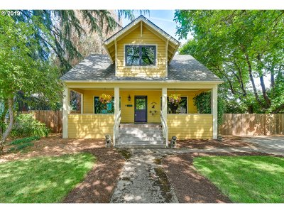 Portland Single Family Home For Sale: 3622 SE 72nd Ave