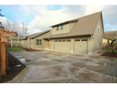 Eugene Single Family Home For Sale: 1699 Best Ln