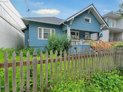 Multnomah County Single Family Home For Sale: 2526 SE 37th Ave