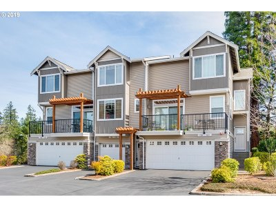 Washington County Condo/Townhouse For Sale: 788 NW 118th Ave #102