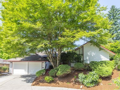 Beaverton Single Family Home For Sale: 8555 SW Bridletrail Ave
