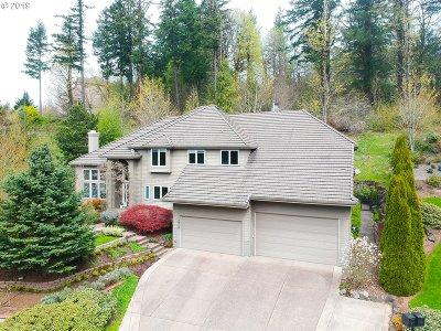 Portland Single Family Home For Sale: 7717 NW Blue Pointe Ln