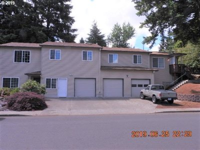 Clackamas County Multi Family Home For Sale: 38220 Strawbridge Pkwy