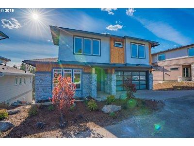 Lake Oswego Single Family Home For Sale: 13637 Westlake Dr