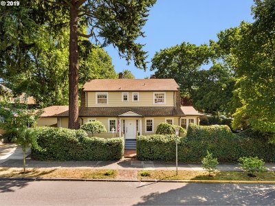 Multnomah County Single Family Home For Sale: 1810 NE Fremont St
