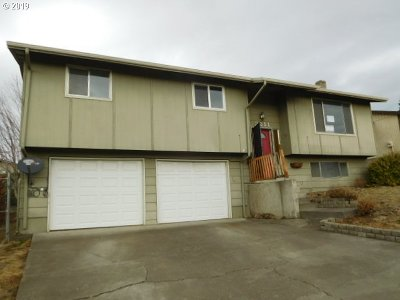 Umatilla County Single Family Home For Sale: 2211 SW Perkins Ave