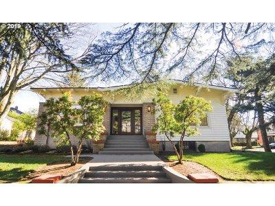 Single Family Home For Sale: 110 NE Cesar E Chavez Blvd