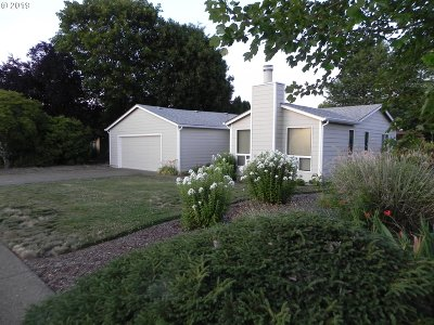 Monmouth Single Family Home For Sale: 253 Marr Ct