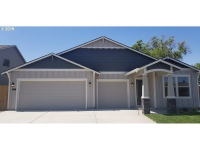 Hermiston Single Family Home For Sale: 2389 NW Valley View Dr