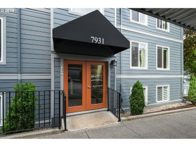 Portland Condo/Townhouse For Sale: 7931 SW 40th Ave #B