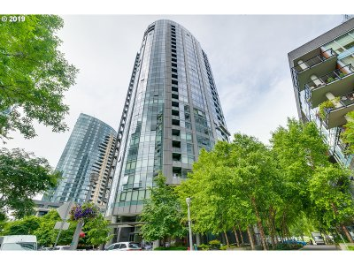 Portland Condo/Townhouse For Sale: 3601 SW River Pkwy #2208