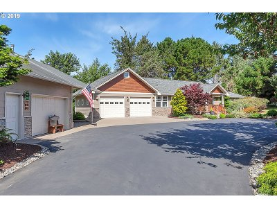 Warrenton Single Family Home For Sale: 90256 Lewis Rd