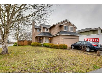 Dundee Single Family Home For Sale: 621 SE Logan Ln