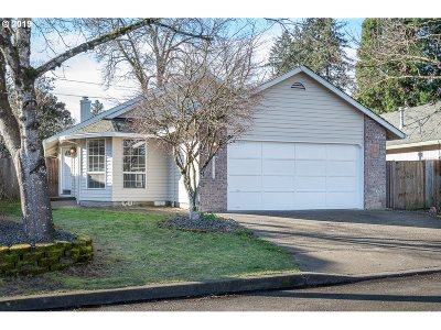Tigard Single Family Home For Sale: 8536 SW Merlyne Ct
