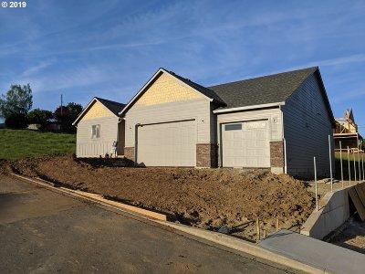 La Center Single Family Home For Sale: 122 W 13th Way