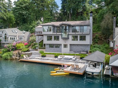 Lake Oswego Single Family Home For Sale: 1411 Lake Front Rd