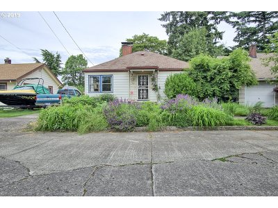Portland Single Family Home For Sale: 9565 N Kellogg St