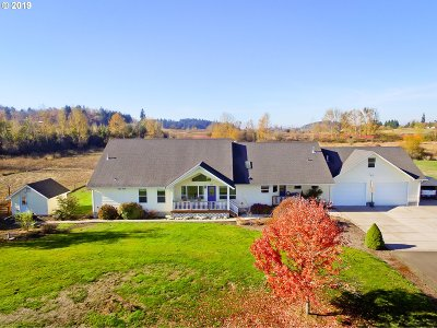 Eugene Single Family Home For Sale: 28810 Royal Ave