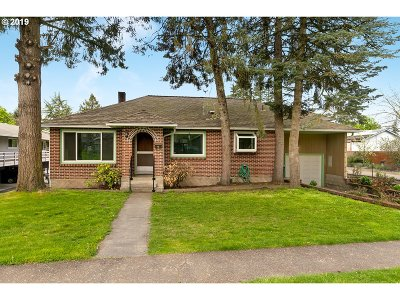Newberg Single Family Home For Sale: 401 S Blaine St