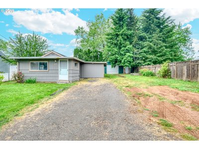 Salem Single Family Home For Sale: 3675 Middle Grove Dr