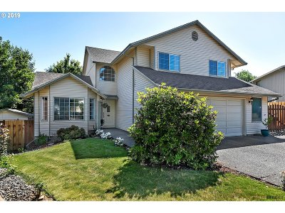 Troutdale Single Family Home For Sale: 1517 SW 13th Cir