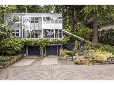 Lake Oswego Single Family Home For Sale: 2903 Lakeview Blvd