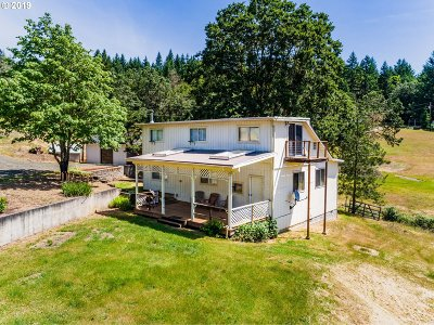 Roseburg Single Family Home For Sale: 2277 Cleveland Hill Rd