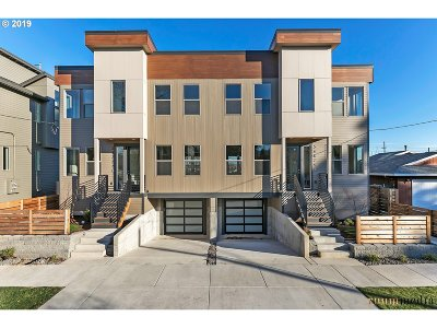 Multnomah County Condo/Townhouse For Sale: 5475 N Bowdoin St #A