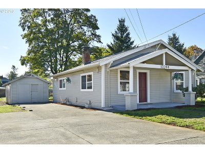 Multnomah County Single Family Home For Sale: 10244 SE Mitchell St
