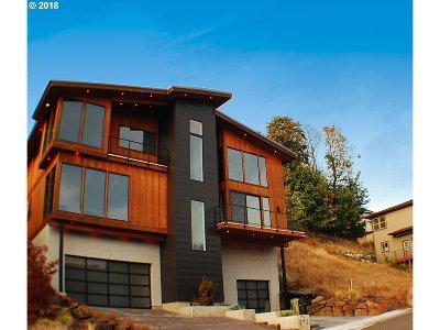 Washington County Single Family Home For Sale: 8711 NW Savoy Ln