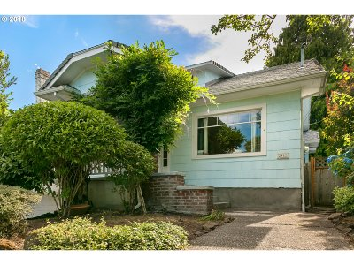 Portland Single Family Home For Sale: 2362 SE 52nd Ave