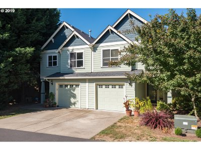 Milwaukie, Gladstone Condo/Townhouse For Sale: 11333 SE 27th Ave