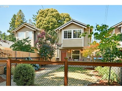 Single Family Home For Sale: 8029 N Chautauqua Blvd