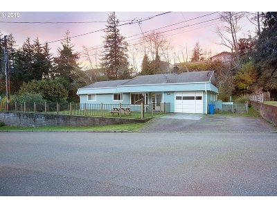 North Bend Single Family Home For Sale: 3680 Spruce St
