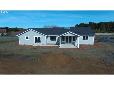 Bandon Single Family Home For Sale: 87186 Beach Ln