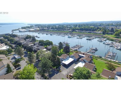 Condo/Townhouse For Sale: 222 N Hayden Bay Dr