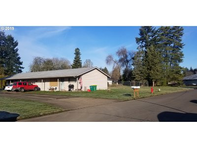 Forest Grove Multi Family Home For Sale: 2728 A St