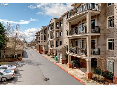 Portland Condo/Townhouse For Sale: 4832 NW Promenade Ter #313