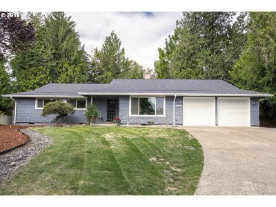 Tigard Single Family Home For Sale: 13235 SW Ash Dr